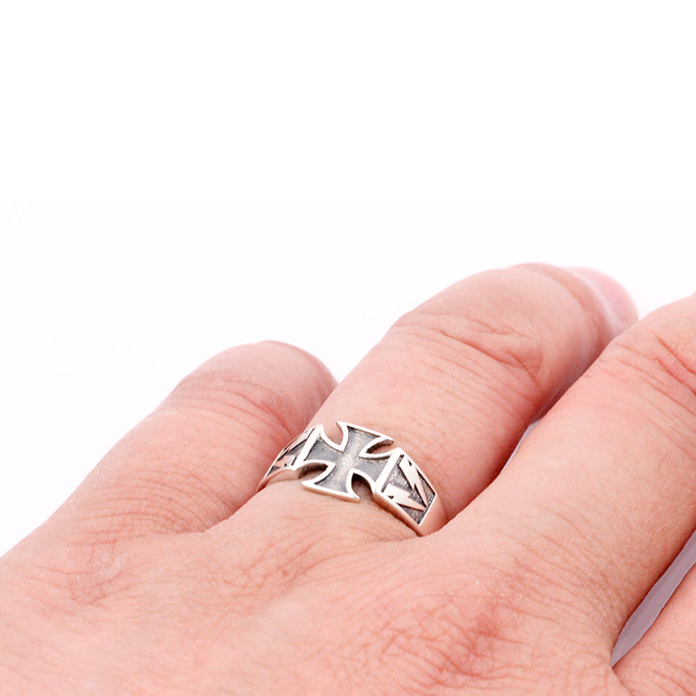 Silver Ring Celtic Cross with Flash