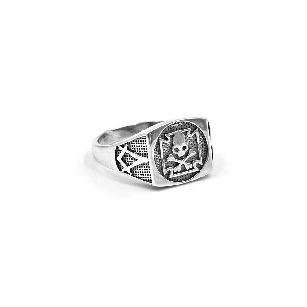 Silver Ring Celtic Cross with Skull and Crossbones