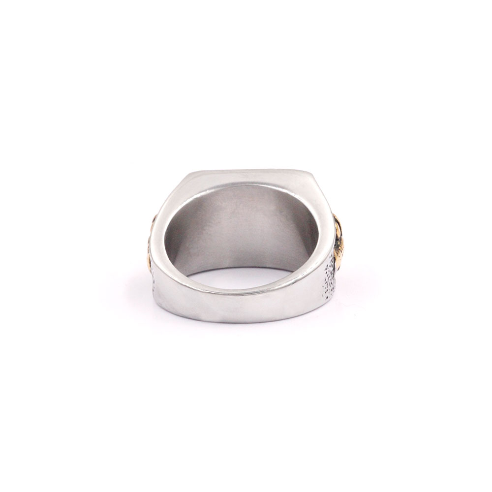 Square Ring with Cross Mace