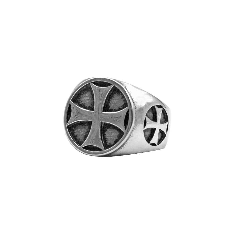 Ring with Triple Front and Side Cross
