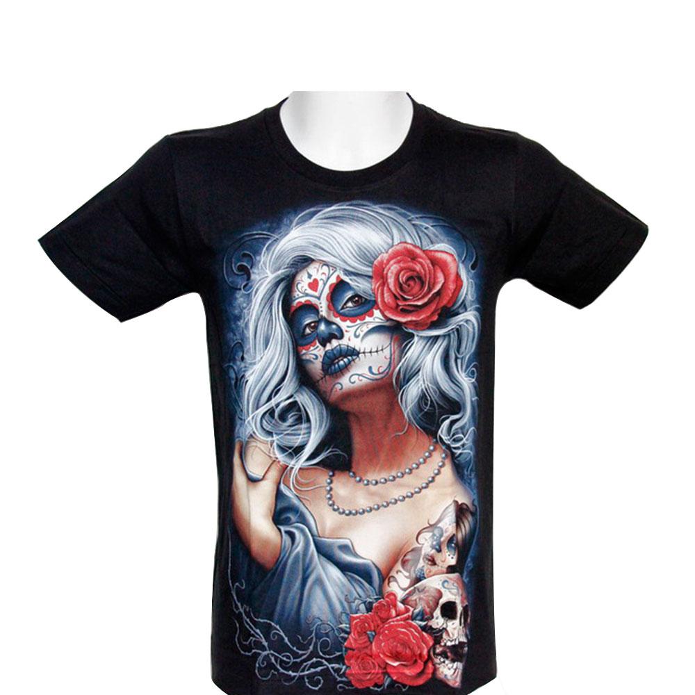 T-shirt Tattooed Woman