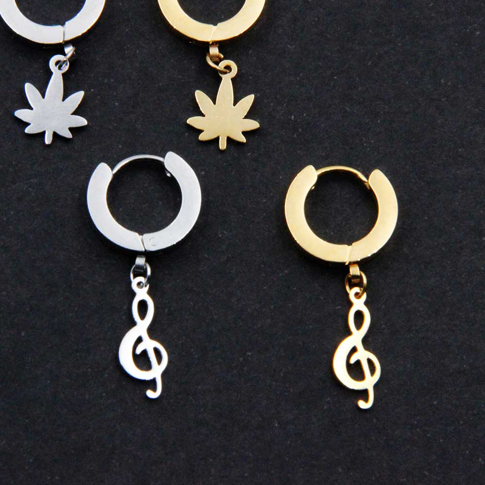 Earring with Pendant Treble Clef