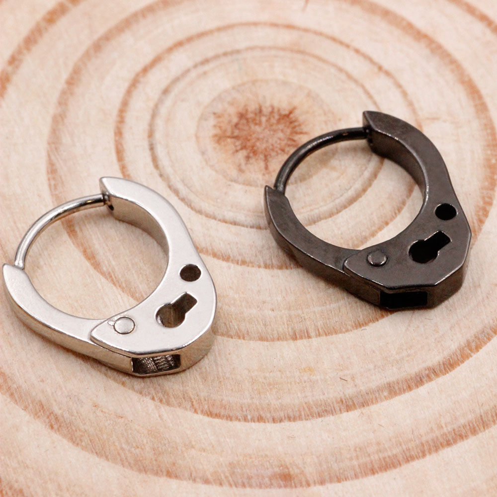 Earring Clicker Handcuff