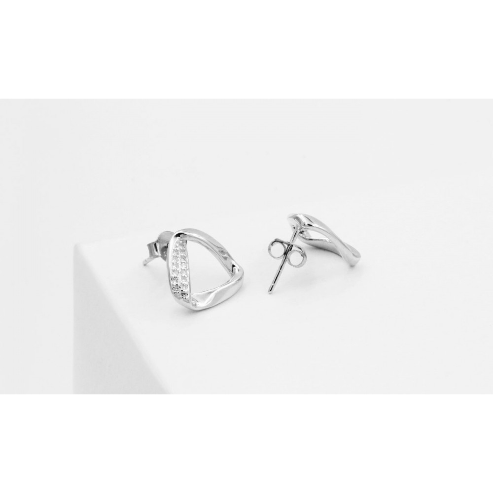 925 Silver Lobe earrings with Triangle-shaped Crystals